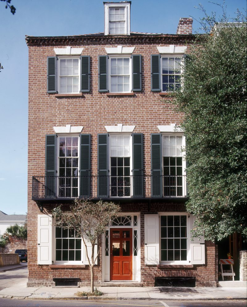 southern-neoclassical-townhouse-02